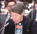 Umweltministerin Barbara Hendricks sagt weitere 50 Millionen Euro für den Adaptation Fund zu.